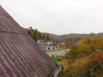 eine schöne Aussicht aus dem hinteren Dachfenster