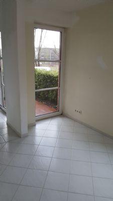 sch ne 2 zimmer erdgeschosswohnung im ellerried zu verkaufen wohnung schwerin 2j7um4c. Black Bedroom Furniture Sets. Home Design Ideas