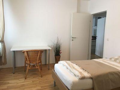 traumwohnung mit balkon vollst ndig m bliert perfekt. Black Bedroom Furniture Sets. Home Design Ideas