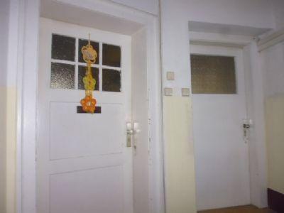 1. OG 2 Wohnungen - fertig modernisiert