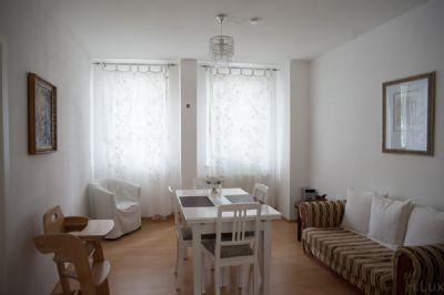 atmosph rische gut geschnittene 3 zimmerwohnung in sch ner altstadtlage mit terasse. Black Bedroom Furniture Sets. Home Design Ideas