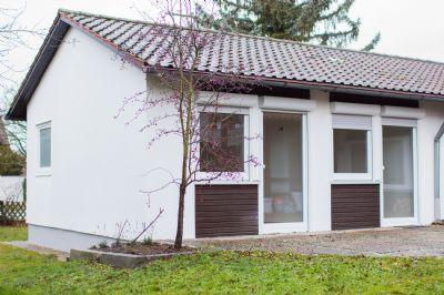 frisch saniertes bungalow mit gro em garten in burgfarrnbach zu vermieten bungalow f rth 2hsah4b. Black Bedroom Furniture Sets. Home Design Ideas