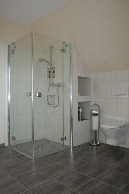 Beispiel Bodentiefe Dusche