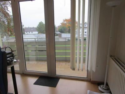 Geräumige 3-Zimmer-Wohnung mit Balkon im Hochparterre