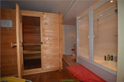 Sauna mit Dusche