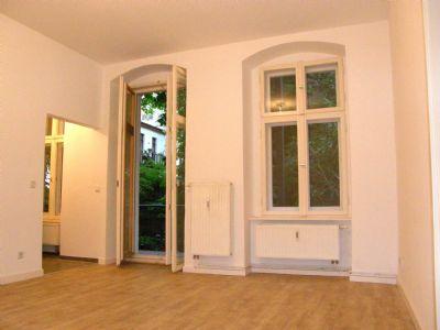 charmante eigentumswohnung in berlin mitte neu saniert mit balkon im gr nen besichtigung am. Black Bedroom Furniture Sets. Home Design Ideas