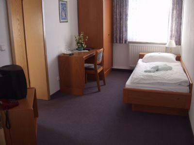Einzelzimmer mit Seeblick im Gästehaus