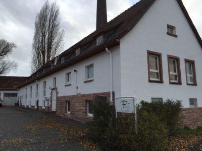 Haus 7 (Front & Seitenansicht)