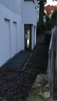 kleiner Garten/Terrasse vor dem Laden/Wohnung