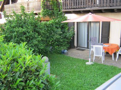 Terrasse und Gartenanteil, sowie PKW Stellplatz