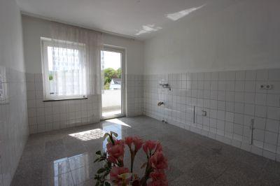 ger umige wohnung mit s dbalkon s dliche vorstadt etagenwohnung koblenz 2jjl645. Black Bedroom Furniture Sets. Home Design Ideas
