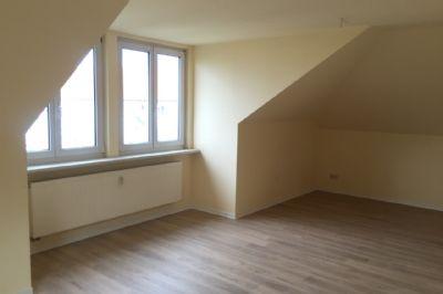 Exklusive 2 raum dachgeschosswohnung im blumenviertel von for 2 raum wohnung erfurt