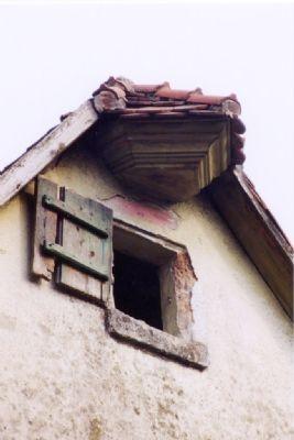Verzierte Dachfirstverlängerung