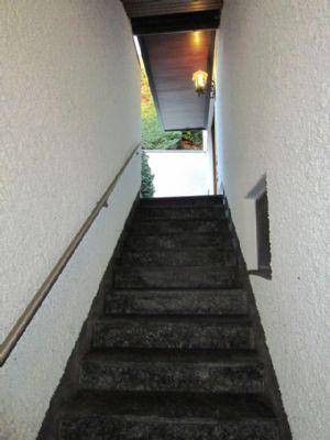 Kelleraußentreppe überdacht