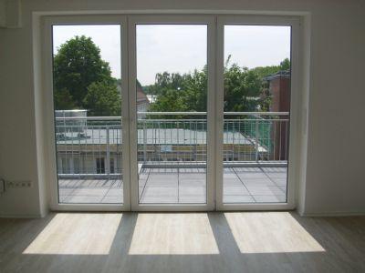 exkl penthouse 3zkb hwr dachterrasse balkon kfw 40 fahrstuhl klimaanlage gwc wohnung. Black Bedroom Furniture Sets. Home Design Ideas
