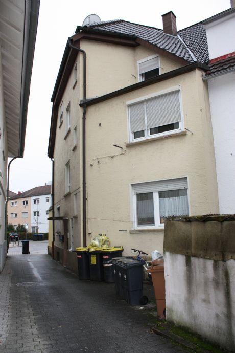 Dreifamilienhaus In Der Kernstadt Mit Terrasse Und Garage