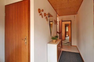 Hauseingang Flur Zugang zum Kellergeschoss - EG