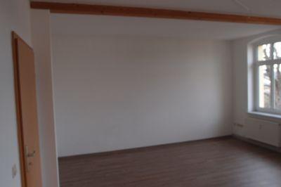 traumhaft sch ne 3 zimmer dachgeschosswohnung mit k chenzeile und neuem fussboden von privat. Black Bedroom Furniture Sets. Home Design Ideas
