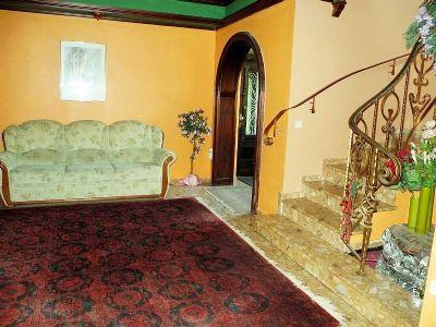 6 Eingangsbereich Haupthaus 002