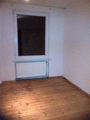 sch ne 2 zkb dachwohnung in hanau centum wohnung hanau. Black Bedroom Furniture Sets. Home Design Ideas