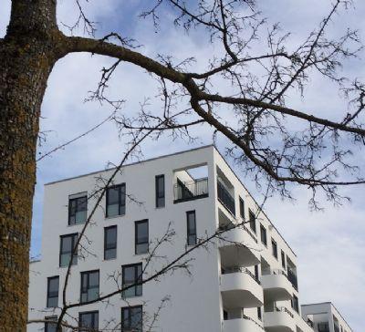 Hervorragend ausgestattete 3 Zimmer Dachgeschosswohnung im 7.OG  mit Balkonterrasse (S/W) und Blick auf die Alpen