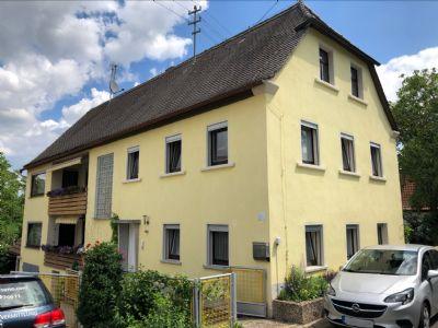 Zweifamilienhaus mit großem Grundstück in ruhiger Lage!