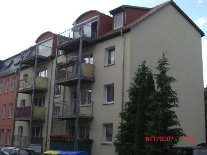 3-Raumwohnung in ruhiger Wohnlage mit Balkon und Kfz-Stellplatz