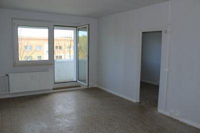 Wohnzimmer - Blick Richtung Balkon