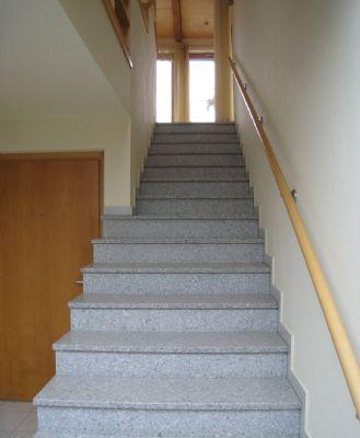 Treppe zur Wohnung 1