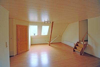 Einl.Whg. Schlafzimmer + separates  WC - DG