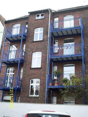 komplett m blierte helle 2 5 zimmer wohnung mit balkon etagenwohnung herne 2dz5j45. Black Bedroom Furniture Sets. Home Design Ideas