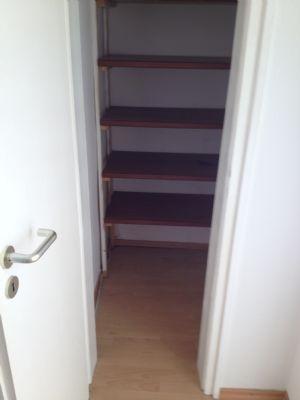 1 etage helle freundliche wohnung zentrale lage sehr gepflegtes 8 parteienhaus. Black Bedroom Furniture Sets. Home Design Ideas