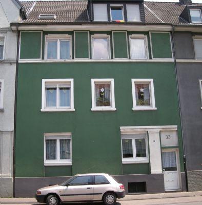 Ihre Wohnung zum Wohlfühlen 3-Zi.-Whg. mit Balkon in der 2. Etage und Gartennutzung