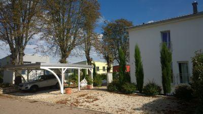 Carport && Kundenparkplätze