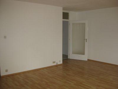 sofort freie 1 zimmer wohnung mit k che und balkon vorsterstra e 153 m nchengladbach. Black Bedroom Furniture Sets. Home Design Ideas