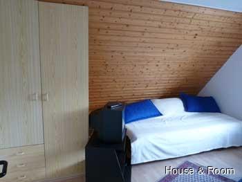 neu renovierte 2 zimmer wohnung mit balkon in hamburg gerne auch monteure nur m nner wohnung. Black Bedroom Furniture Sets. Home Design Ideas