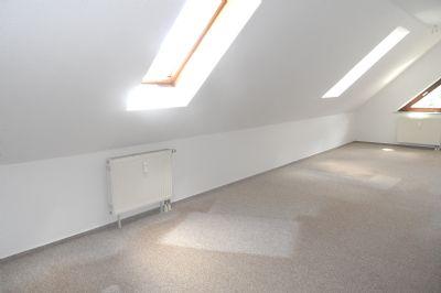ab ins neue zuhause attraktive 3 zmmer wohnung mit balkon. Black Bedroom Furniture Sets. Home Design Ideas