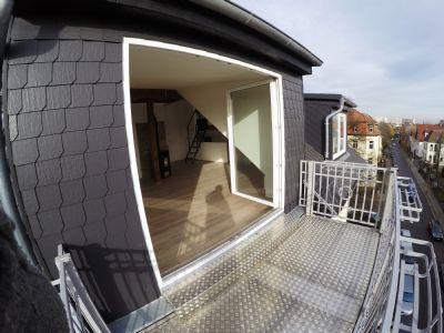 dachgeschoss und balkon 2 5 raum wohnung erstbezug nach sanierung apartment erfurt 2cr9c4l. Black Bedroom Furniture Sets. Home Design Ideas