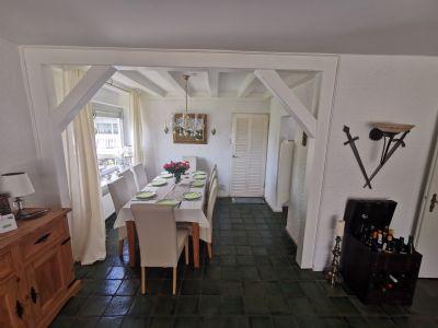 5-Zimmer-Wohnung mit Balkon und Wannenbad