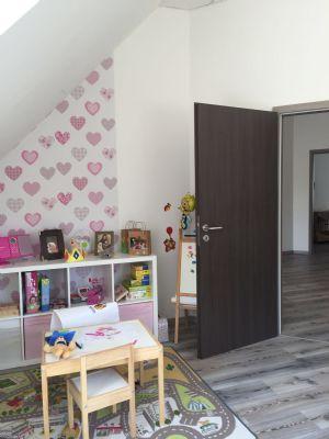 Kinderzimmer  Blick in Flur