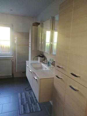 sch ner wohnen in einem winkelbungalow am m hnesee bungalow m hnesee 2hjpx4u. Black Bedroom Furniture Sets. Home Design Ideas