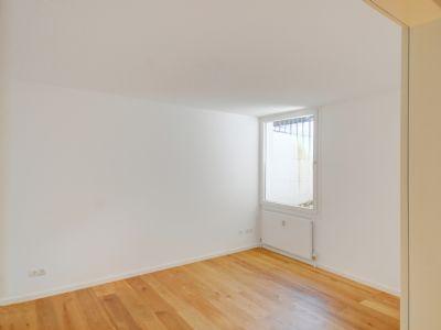 Schlafzimmer 2 mit schönem Parkettboden