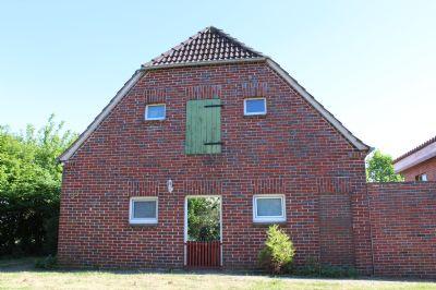 Diese freistehende, etwas ländlich gelegene Immobilie hat es in sich! Top modernisiert. Sie befindet sich in 26939 Ovelgönne, Nähe Oldenbrok-Mittelort