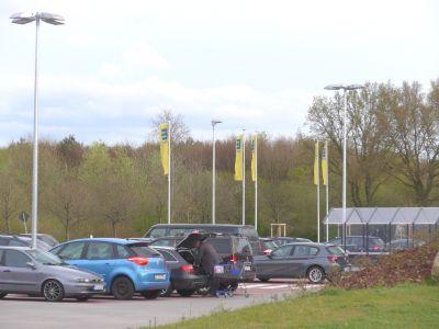 Parkplatz vom Nahversorger