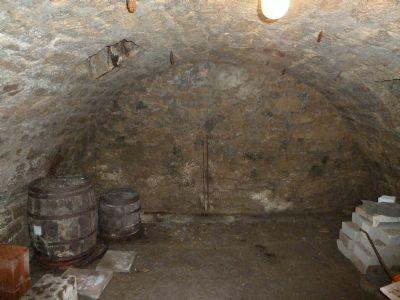 Gewölbekeller unter Garage
