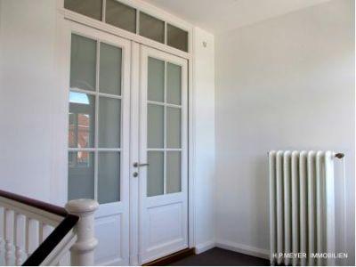 Restaurierte Historische Wohnungseingangstür