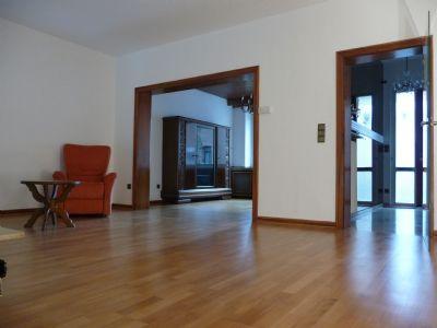 Wohn- Esszimmer mit Arbeitszimmer