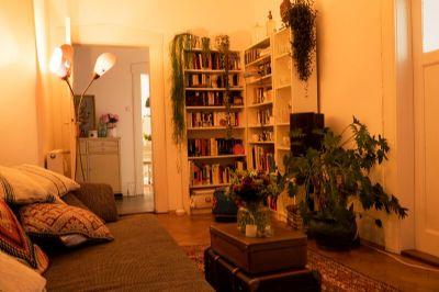 1 wg zimmer in wundersch ner altbauwhg zur zwischenmiete wohngemeinschaft m nchen 2fuve4g. Black Bedroom Furniture Sets. Home Design Ideas