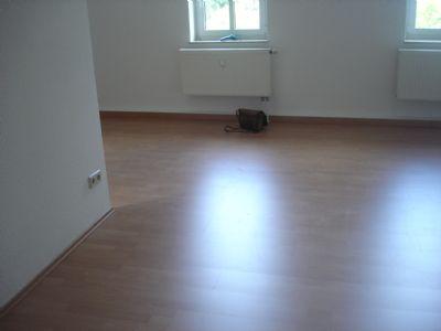 Blick ins Wohnzimmer (2)