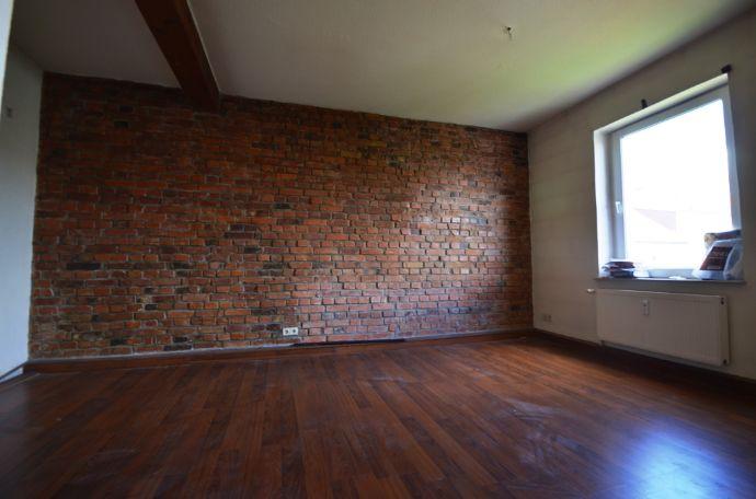Bild 2 Von 11: Untere Wohnbereich Mit Steinwand